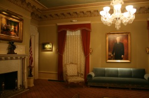 The Ladies' Parlour, with Flagler's portrait