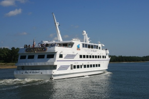 Pleasure Cruise Boat