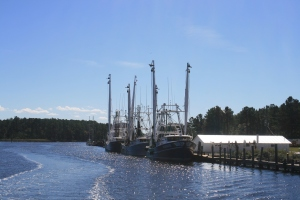 Fishing boats near Hobucken Bridge