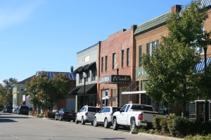 Main St, Columbia