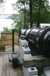 32-pounder overlooking the Hudson River