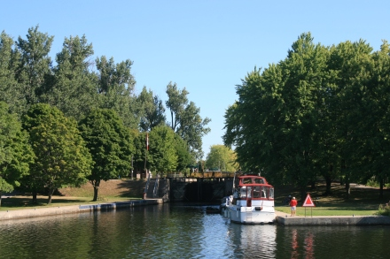 Approaching Lock 20, Peterborough
