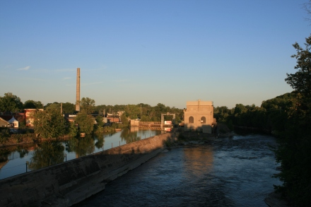 The river at Lakefield in the evening