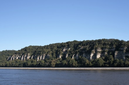 _MG_0017 (2)Limestone outcrops near Portage des Sioux